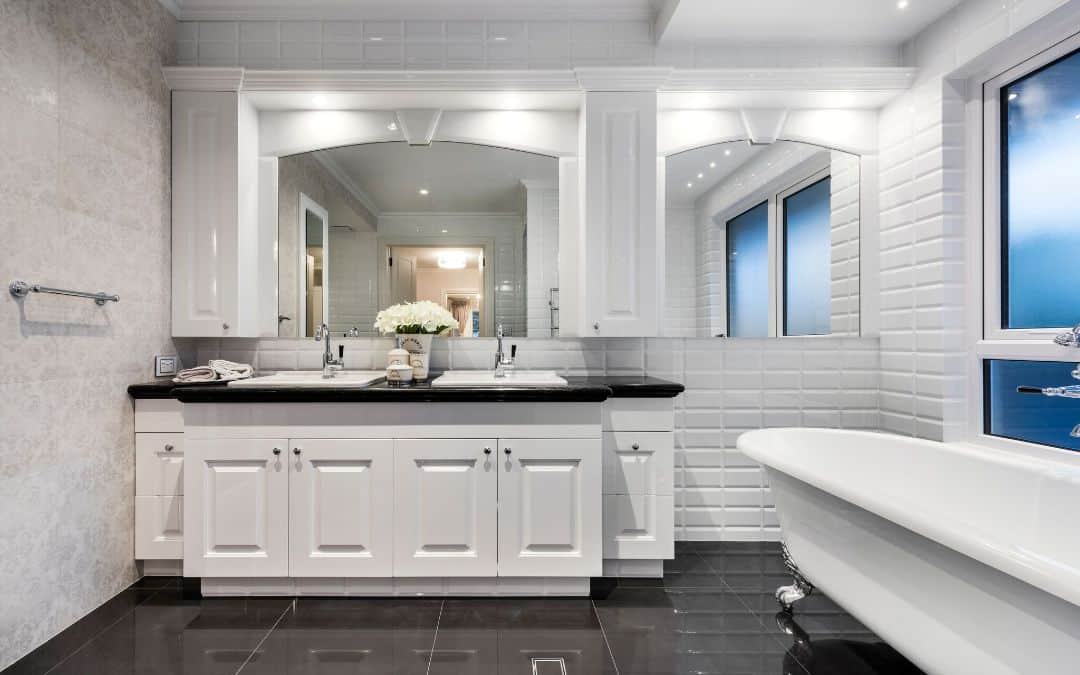 9 Elegant Hamptons Style Bathrooms - We Love These High ...